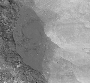 Un remolino lunar sobre el cráter Giordano Bruno. NASA/GSFC/Arizona State University.
