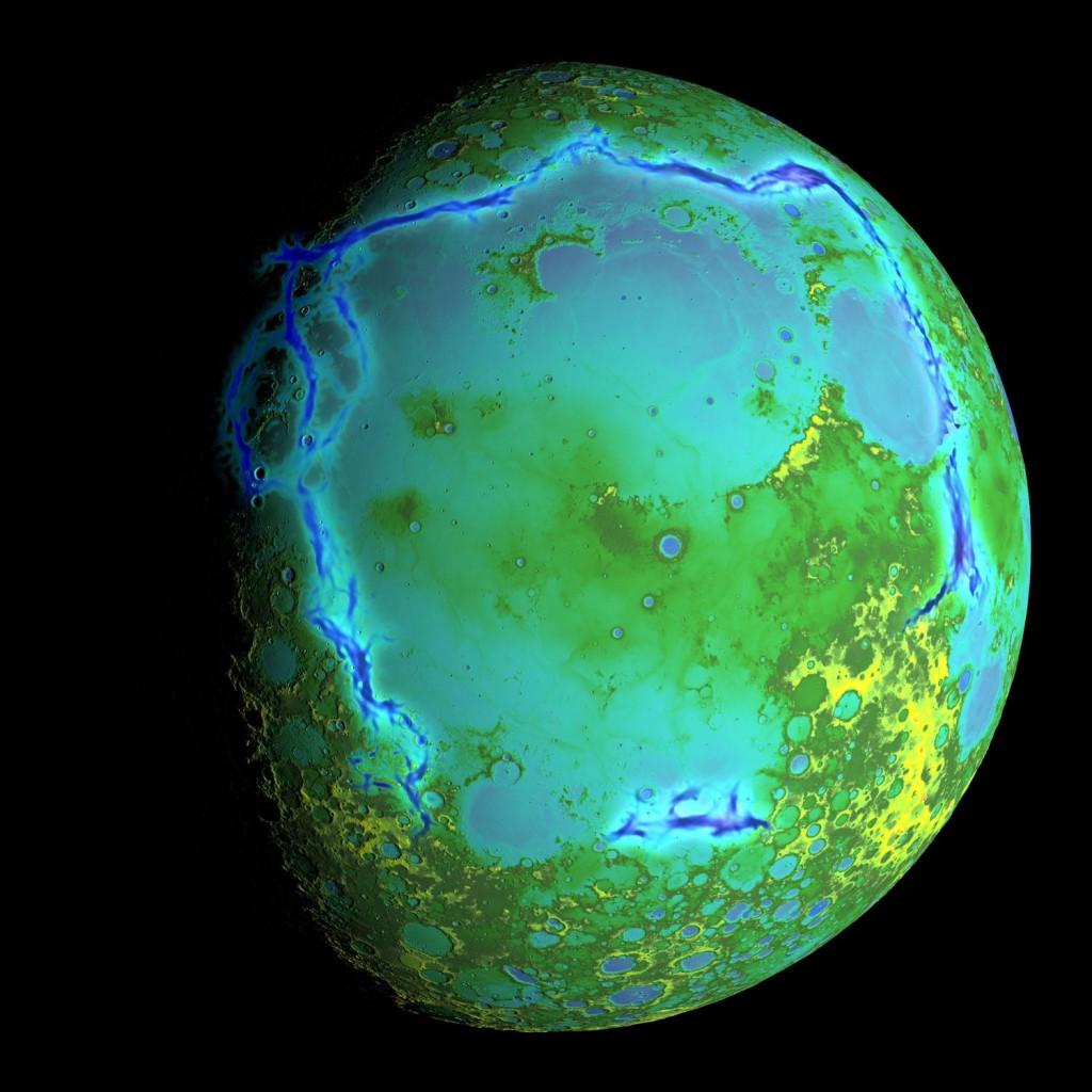 En esta imagen se aprecia la topgrafía de la Luna a la que se le ha sobreimpuesto en color azul oscuro la anomalía gravitatoria de la que se deduce es el límite de la zona de Procellarum. NASA/Colorado School of Mines/MIT/GSFC/Scientific Visualization Studio.