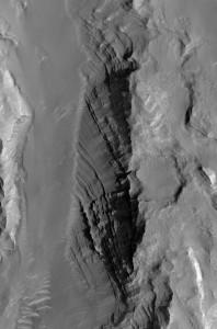 Estratificación visible a escala de la HiRISE. NASA/JPL/University of Arizona.