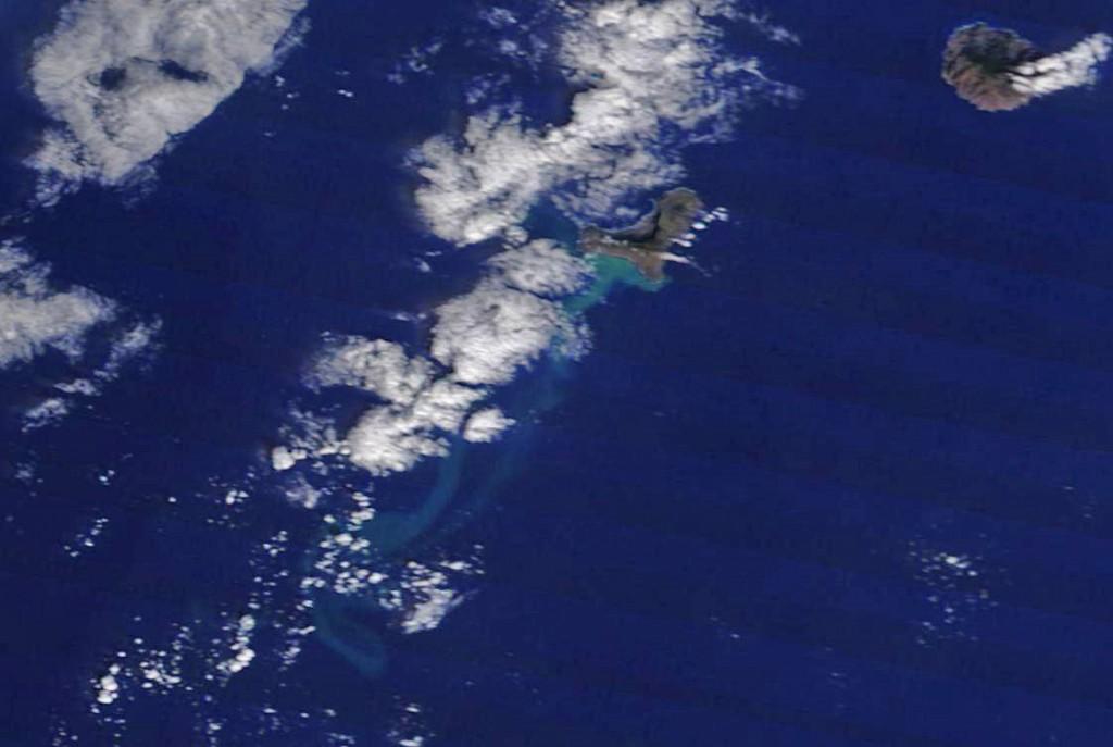 El Hierro a través del satélite Terra a las 10.30 GMT del 13/11/11. NASA.