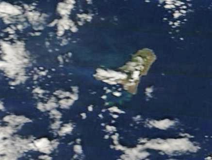Imágen tomada por el satélite Terra el día 23 que muestra la extensión de la mancha. NASA.