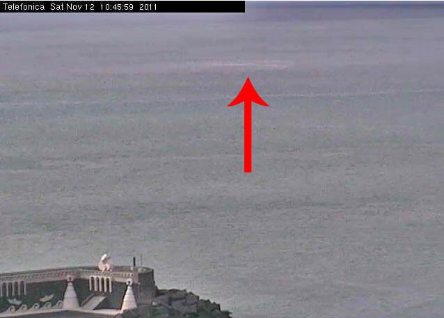 Imagen tomada a las 10:45 GMT de la webcam de La Restinga donde se observa cierto burbujeo.