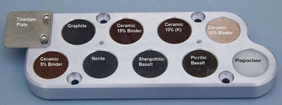Los distintos objetivos de calibración con sus nombres aquí en la Tierra. Equipo ChemCam.