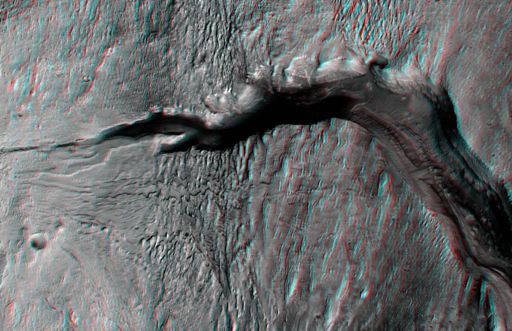 Profundo cañón. NASA/JPL/UA.