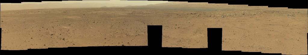Panorama incompleto tomado por la MastCam izquierda en el Sol 51. NASA/JPL. Si quieres verlo más grande, pulsa sobre la imagen (11 MB)