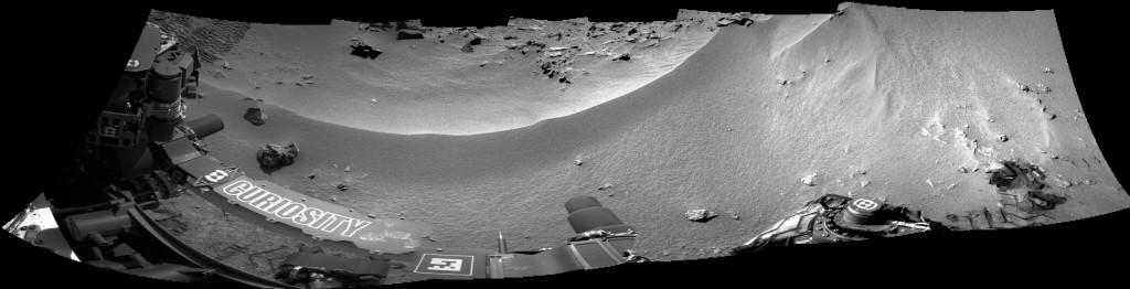 Rocknest y la rizadura eólica vistas por la Navcam Derecha en el Sol 56. NASA/JPL.