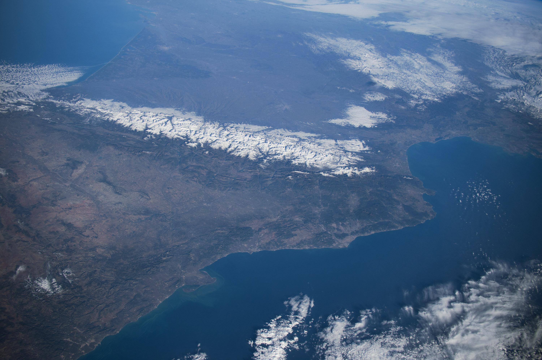 Los Pirineos desde la ISS el pasado día 29 de Diciembre. NASA.