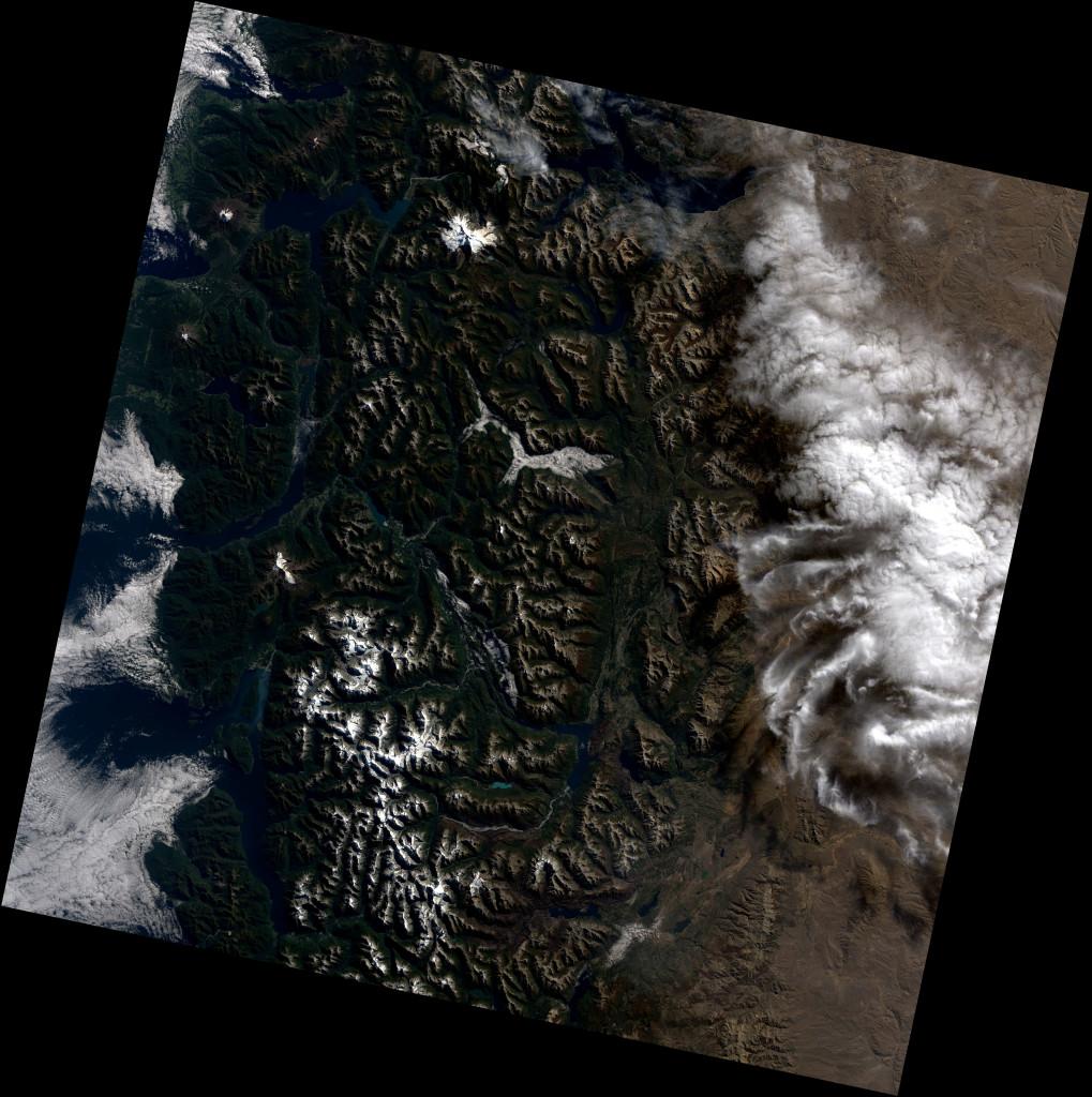 Imagen tomada por el Landsat 8 de la zona de Chile donde se encuentra Calbuco el pasado 11 de Abril de 2015. NASA.