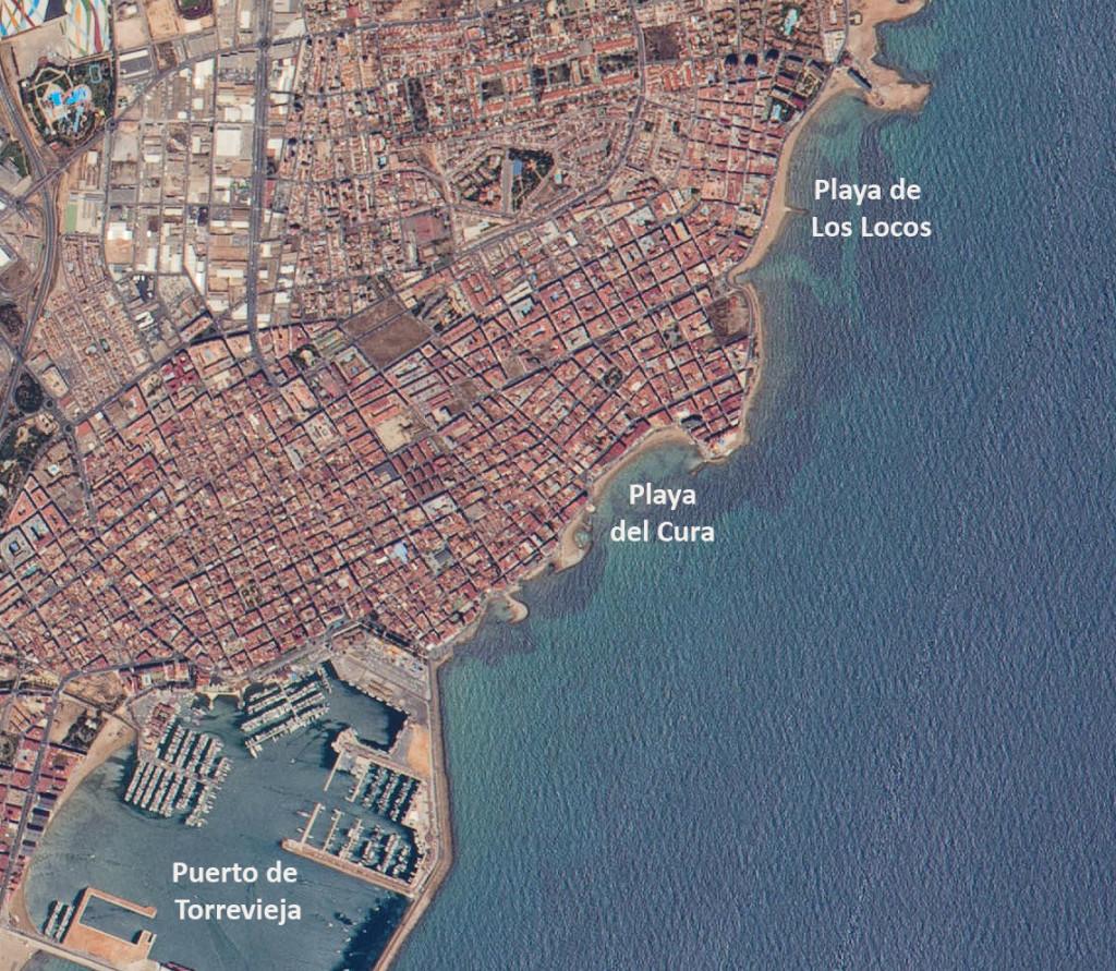 Dos de las playas urbanas más famosas de Torrevieja, la del Cura y la de Los Locos. NASA.