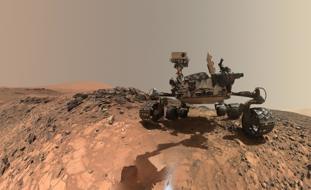 "El Curiosity tomandose un ""selfie"" sobre Buckskin. NASA/JPL/MSSS."