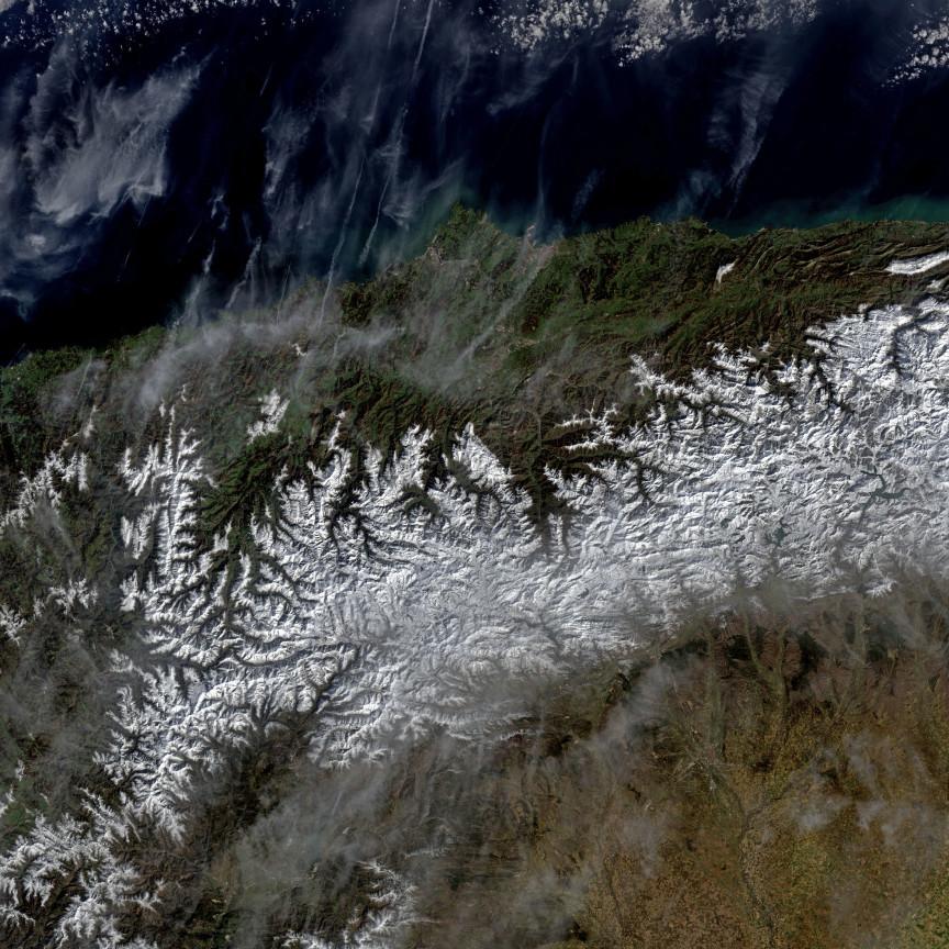 La cordillera Cantábrica desde el Landsat 8 el pasado día 1 de Marzo de 2016. NASA/USGS.